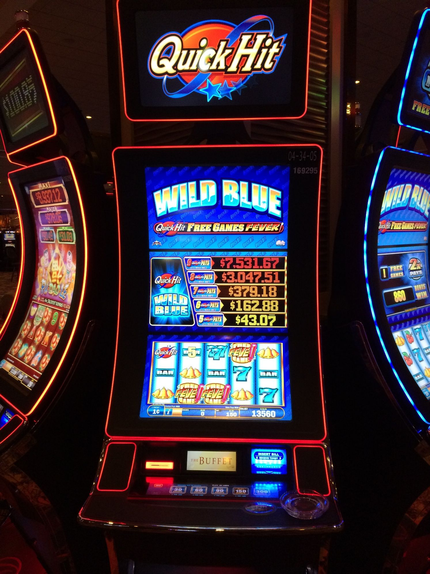 Red gaming slots 76158
